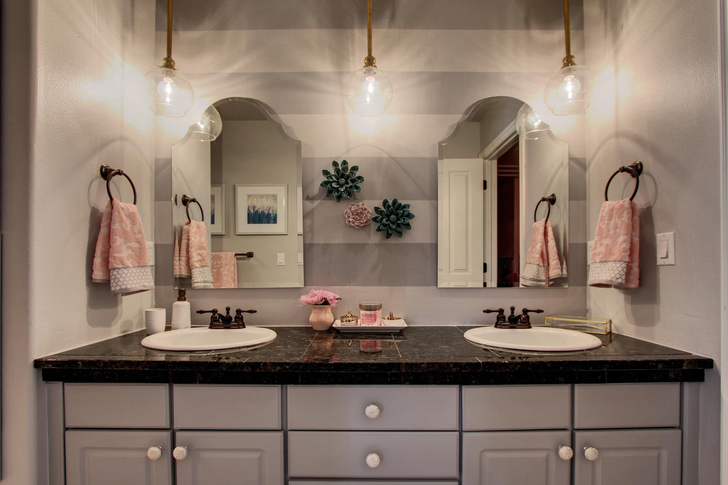 Pretty Life Designs Sophisticated Girly A Girl S Bathroom